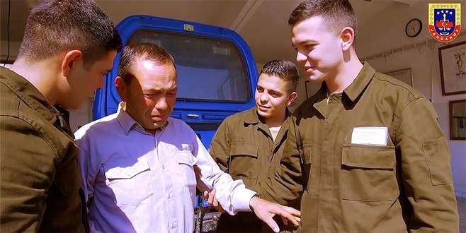 Jandarma'dan üçüz askerlere 'Babalar Günü' sürprizi