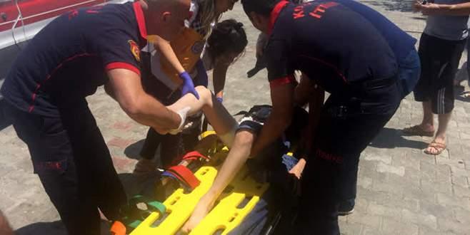 Bacağına saplanan fren koluyla hastaneye kaldırıldı