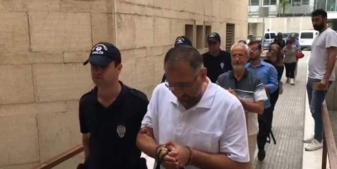 Bursa'da FETÖ operasyonu: 8 eski öğretmen adliyede