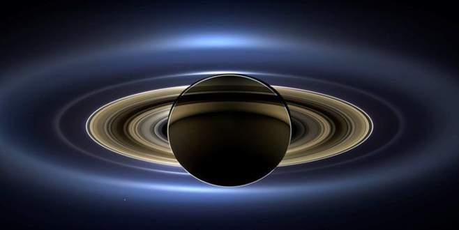 Cassini'den 'hoşçakal öpücüğü': Ölüm dalışına başladı