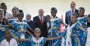 Başbakan Yıldırım dünya çocuklarıyla buluştu