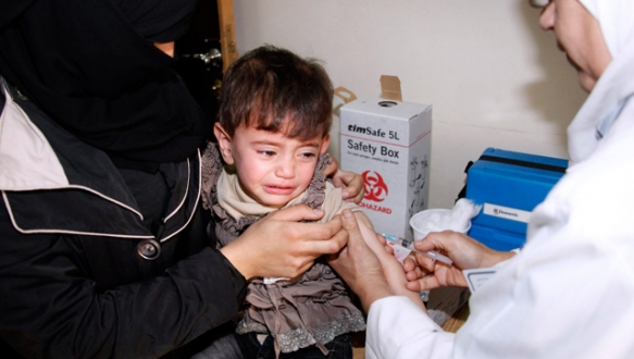 Çocuklara aşı yerine kas gevşetici verilmiş