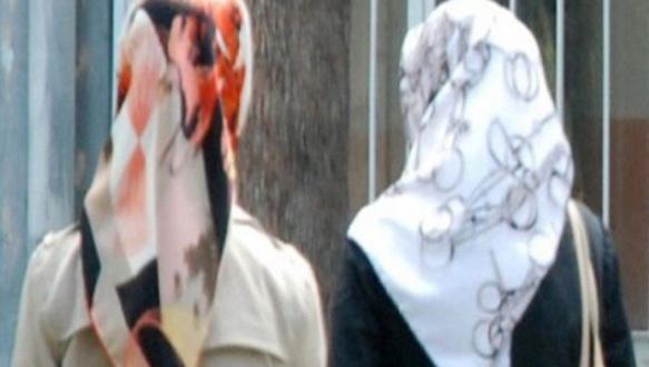 Devlet okulunda başörtüsü yasağı
