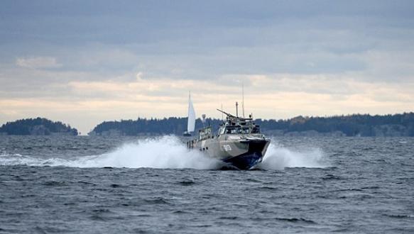 İsveç`te yabancı denizaltı alarmı