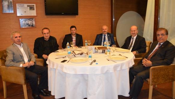 AK Partili tüm başkanlar aynı masada