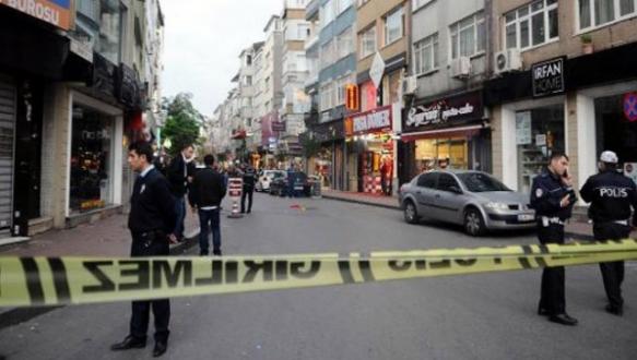Polise satırlı saldırı