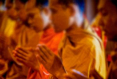 Budist rahip genç kıza tecavüz etti