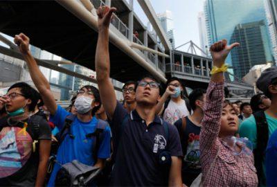 Çin hem Batı`yı hem de göstericileri uyardı