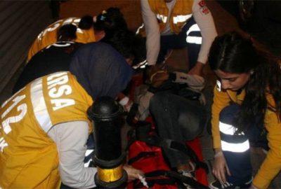 4 çocuğun bindiği motosiklete çarpıp kaçtı