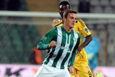 Beşiktaş ve Fenerbahçe`nin elinden kaçırıldı