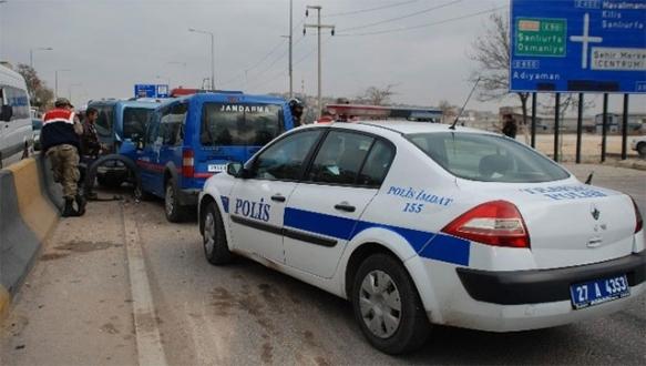 Gaziantep'te zincirleme kaza: 2'si asker 5 yaralı