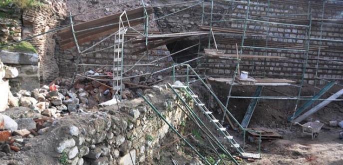Bursa'da iskele çöktü