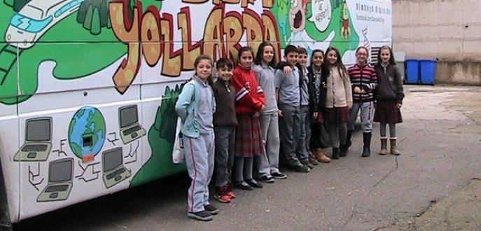 'Bilim otobüsü' genç bilimcilerle buluştu