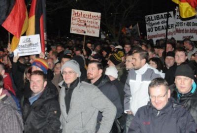 İslamlaşma karşıtı gösteriye protesto