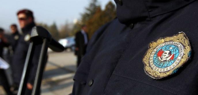Almanya'da 3 Türk'e MİT gözaltısı