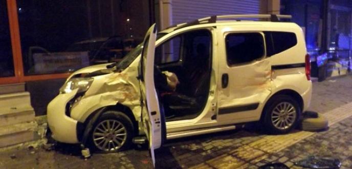 Bursa'da aşırı hız kaza getirdi