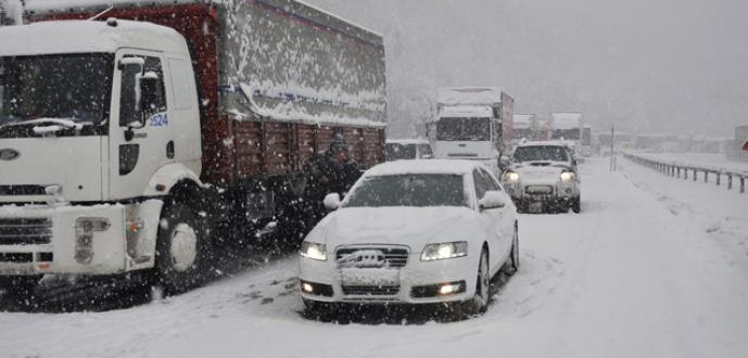 Bursa-Ankara karayolu trafiğe kapandı