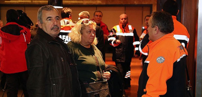 Yanan feribottan kurtarılan Türk yolcular İstanbul'da
