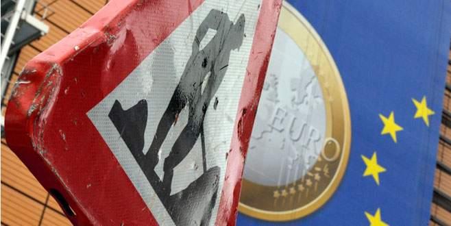 Euro 'eksi' yazdı