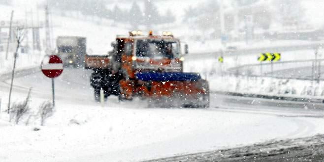 Süpürgelik'te karla mücadele sürüyor