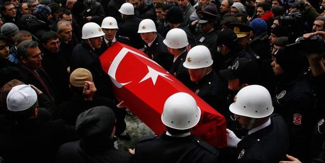 Canlı bomba saldırısında şehit olan polise son görev
