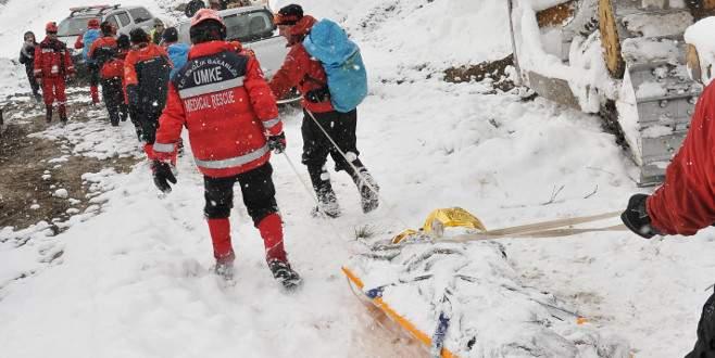 Bursa'da hamile kadın ve oğlu için 30 saatlik karla savaş!