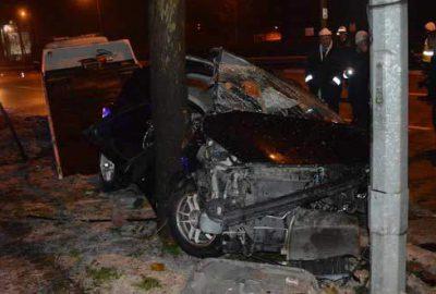 Bursa'da feci kaza! Otomobilde can pazarı