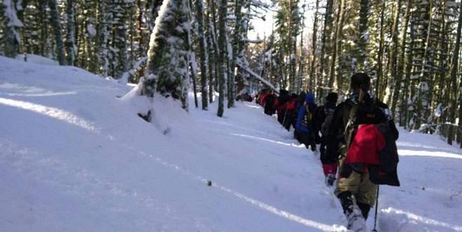 Bursa'da 3 metre karda eğitim