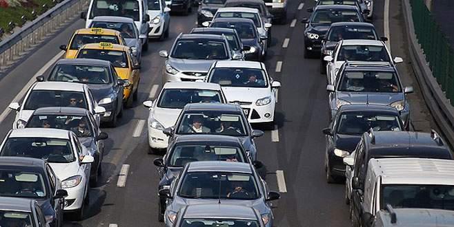 Trafikte araç sayısı 19 milyona dayandı