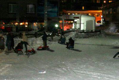 Uludağ'da gece kayak şov