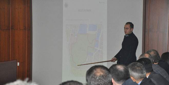 İnegöl'ün yeşil alanları Büyükşehir'e devredildi
