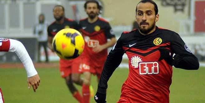 Erkan Zengin Trabzonspor'la anlaştı