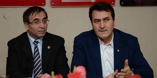 Dündar'dan, CHP'ye hayırlı olsun ziyareti