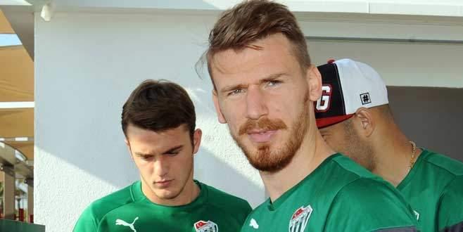 Serdar Aziz, Bursaspor'da kaldı
