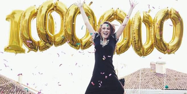 1 milyon takipçi havalara uçurdu