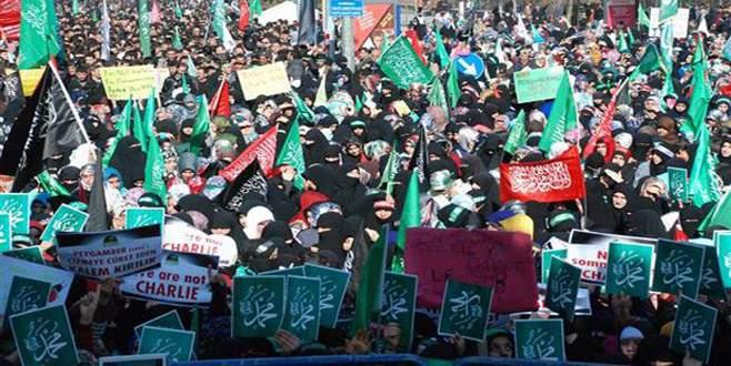 Diyarbakır'da Charlie Hebdo protestosu