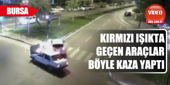 İşte Bursa MOBESE'lerine yansıyan trafik kazaları