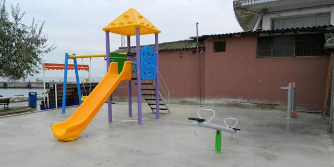 Mudanya, çocuk parklarıyla renkleniyor