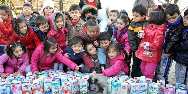 Bursa'da anaokulu öğrencilerinden örnek davranış