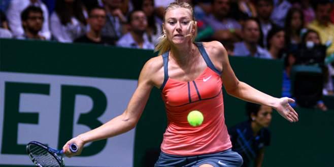 Sharapova yarı finalde