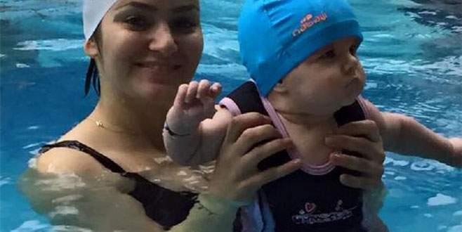 Bebeklere 2 aylıkken yüzme eğitimi