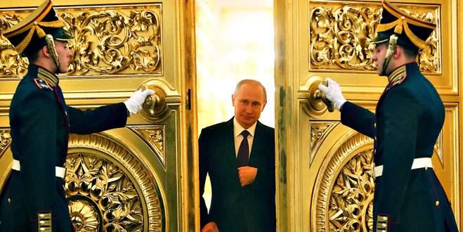 Rusya'ya darbe üstüne darbe
