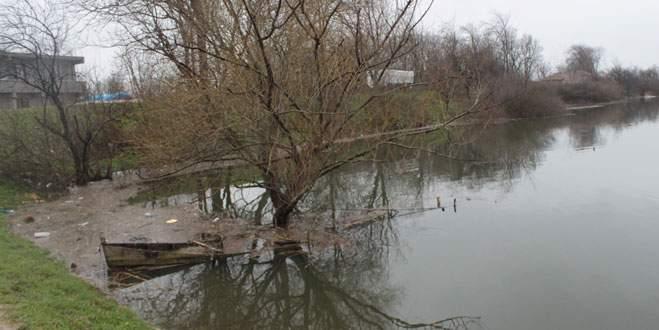 Bursa'da 3 günlük yağış Uluabat köyünü vurdu