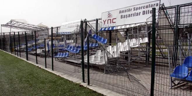 Lodos Bursa'da yıkmaya devam ediyor