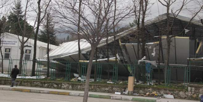 Lodos Bursa Teknik Üniversitesi'ni de vurdu!
