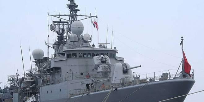 Türk savaş gemisi Yunan limanını ziyaret etti