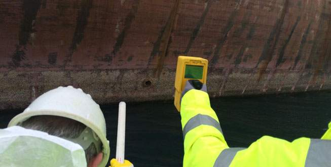 Tartışılan gemiye inceleme ekipleri çıktı