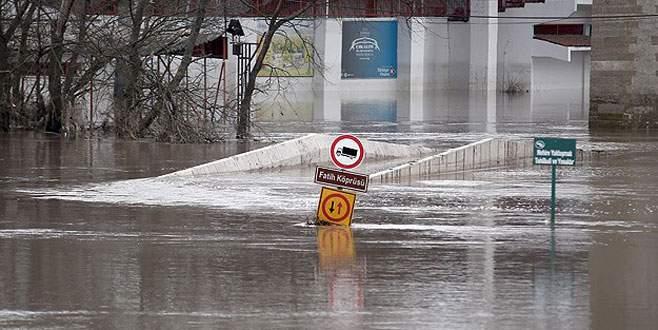 Nehirlerin debilerindeki düşüş devam ediyor