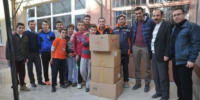 Minik öğrencilerden yangın faciası yaşayan köye yardım
