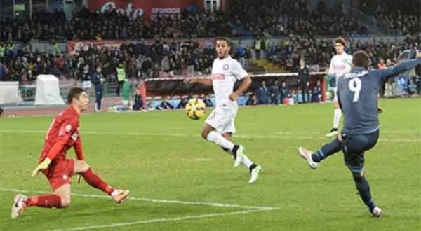 Napoli kupada yarı finalde